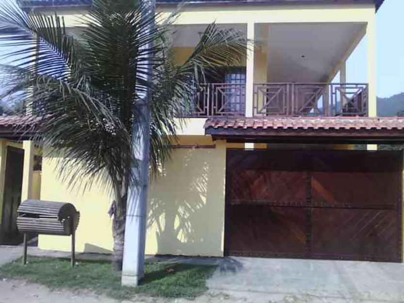 Maranduba – Casa – 4 Dorm. – c/ Piscina – 15 Pessoas – MR102